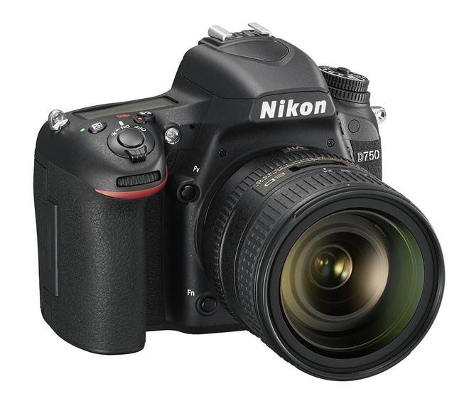 NIKON D750 + 24-85 VR