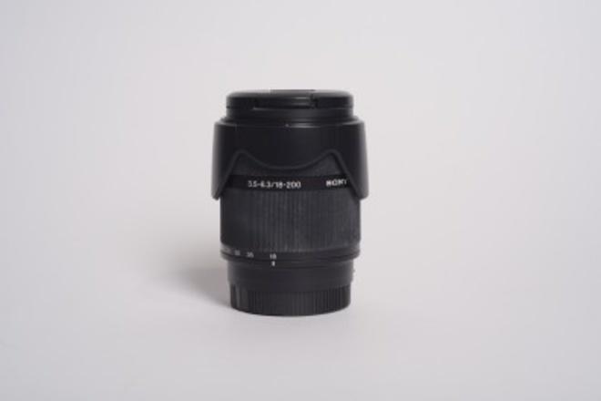 SONY DT 18-200 F/3.5-6.3