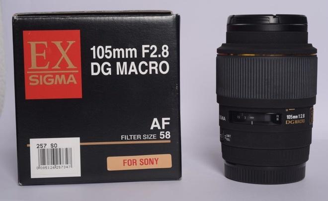 SIGMA 105mm F/2.8 DG MACRO