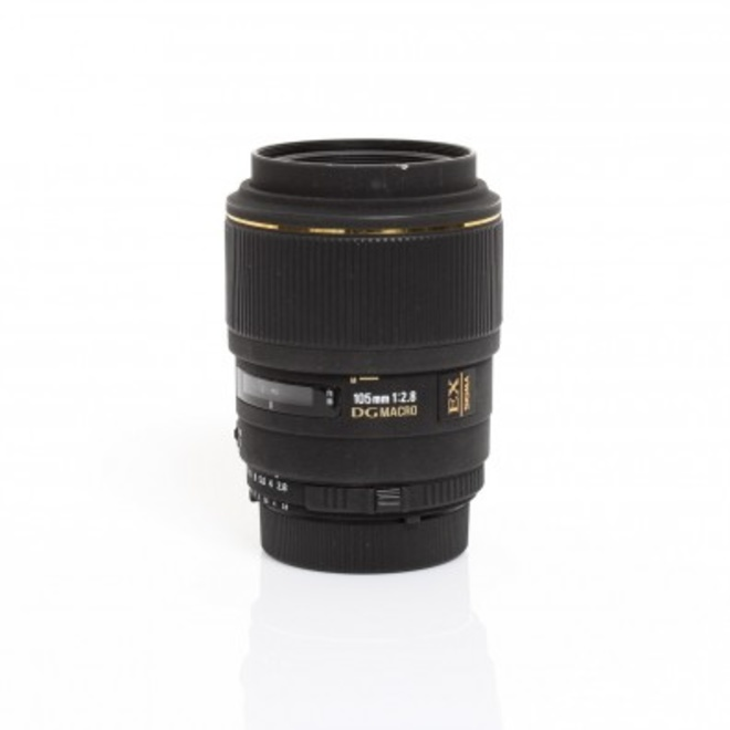 SIGMA 105mm f/2.8 DG MACRO V