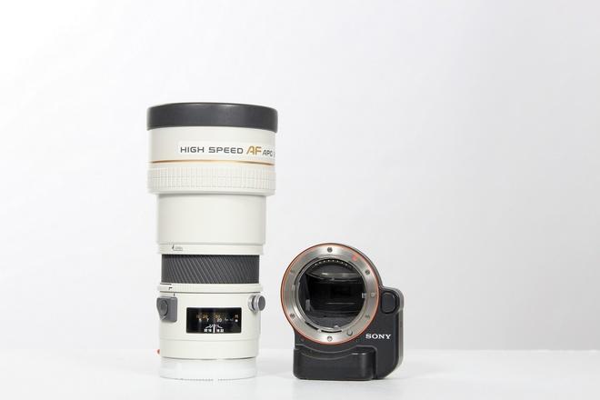 Minolta af 200 mm apo f 2.8 + bague sony La ea 4