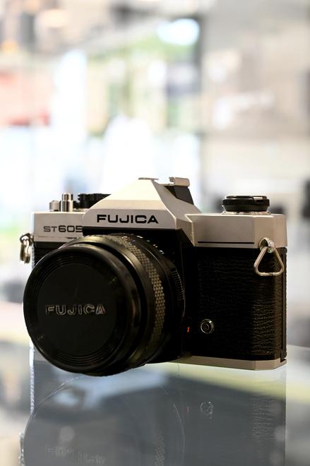 FUJICA ST 605 + FUJINON 55 MM F2.2