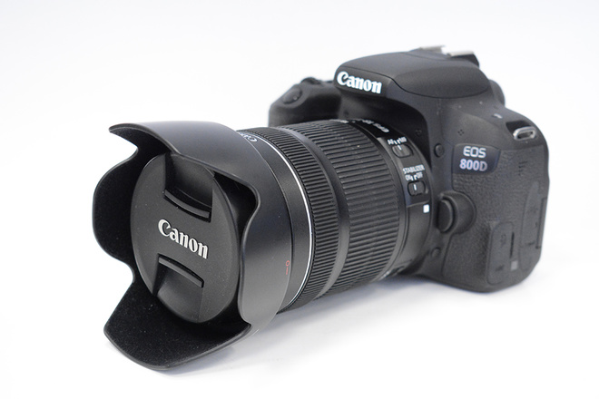 CANON 800D+18-135MM