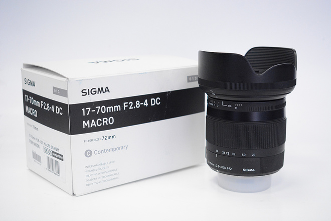 SIGMA 17-70 F2,8-4 DC MONTURE NIKON