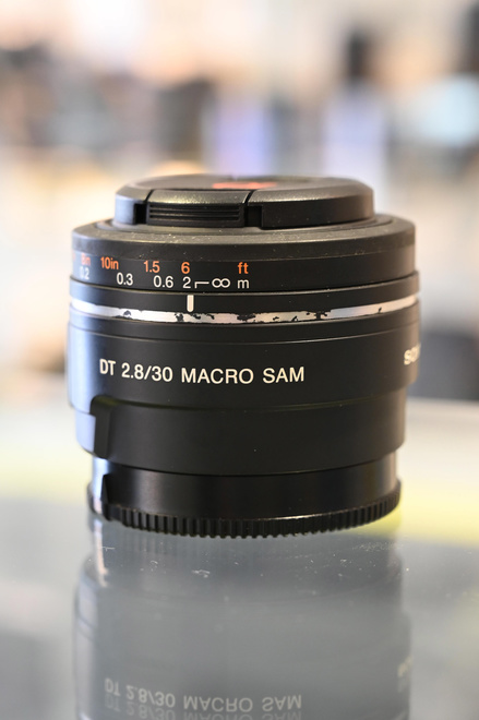 SONY 30 MM F2.8 DT MACRO SAM