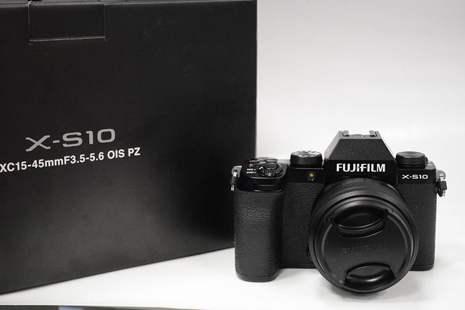 FUJI X-S10+15-45 F3,5-5,6 OIS PZ