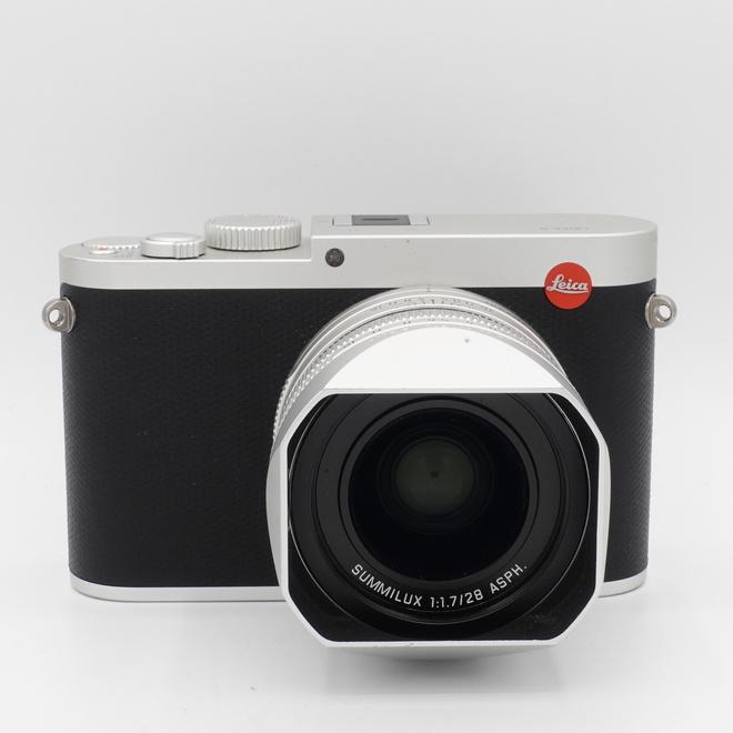 Leica Q argent