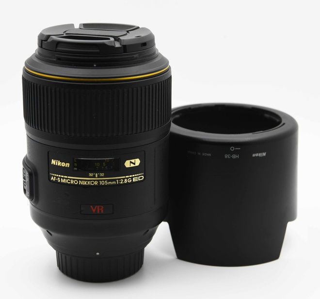 Nikon 105mm f2.8 Macro AF ED