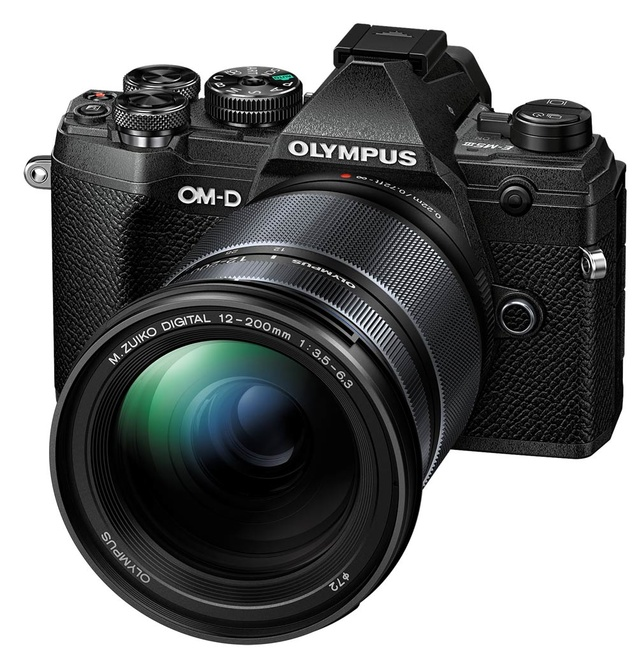 OLYMPUS OM-D E-M5 MARK III NOIR + 12-200